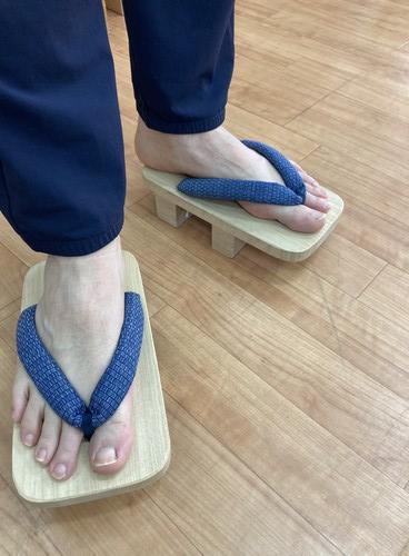 100年以上営んできた「サワムラヤ靴店」がお話しする下駄のメリットとは?